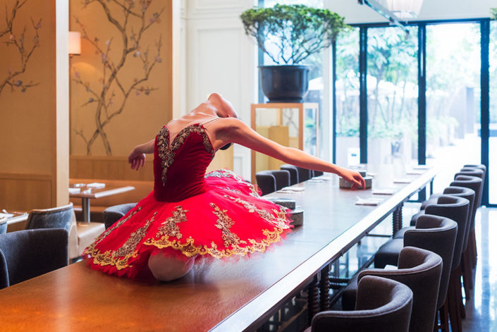 Ballerina on a restaurant table - Photo session organized by @oyuxi for the @instachengdu instagram meetup at Grand Hyatt hotel, Chengdu, Sichuan province, China