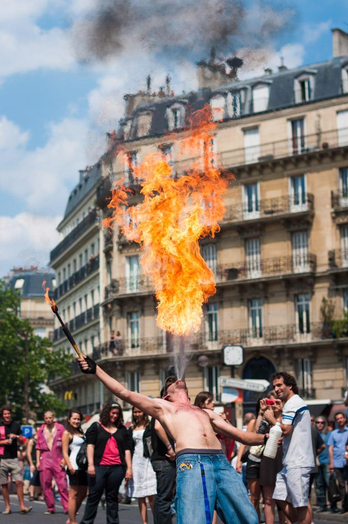 Firespitter in Paris street, France