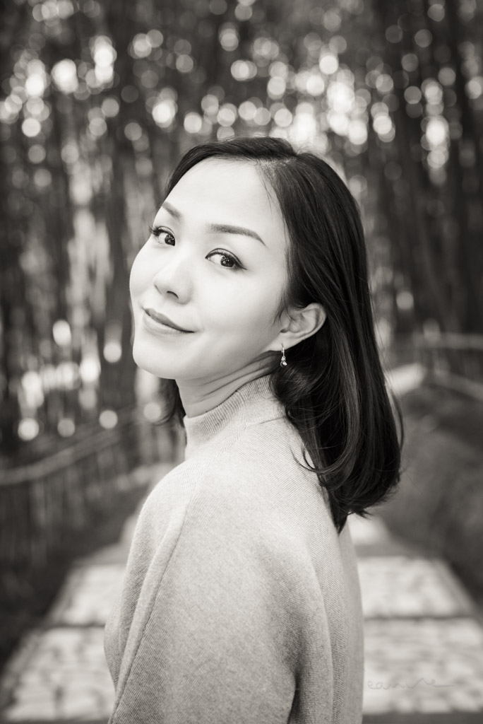 Black and white portrait of a young chinese woman in Chengdu, Sichuan province, China - Model : Fanny