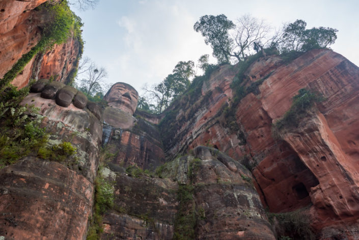 Leshan Giant Buddha - 71m - is the world's biggest stone sitting buddha statue and a touristic famous spot in Sichuan province.
