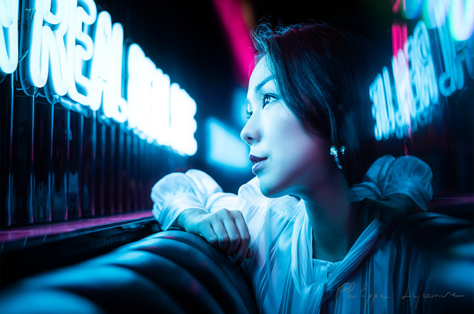 Neon portrait photoshoot with Fanny in Happa Happa bar-restaurant - Chengdu, Sichuan province, China