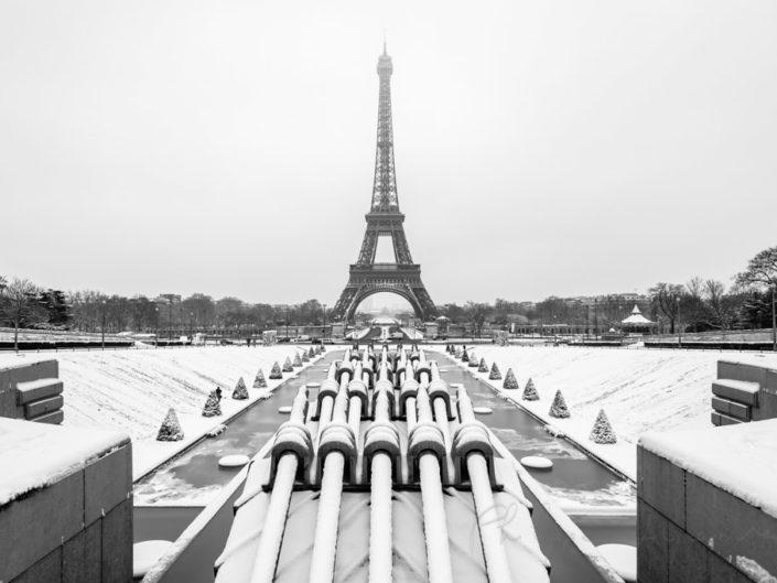 Blog – Paris under the snow in winter